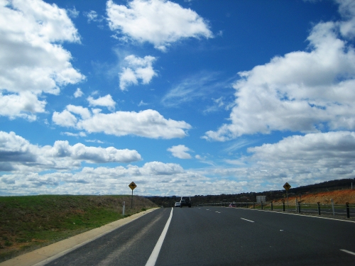 sky-queanbeyan-near-canberra-australia-16th-september-2016-sonya-heaney-spring-road